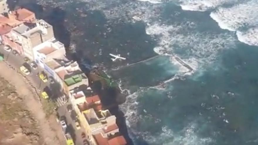 Imagen aérea del lugar en el que se precipitó la avioneta con dos ocupantes en el norte de Gran Canaria
