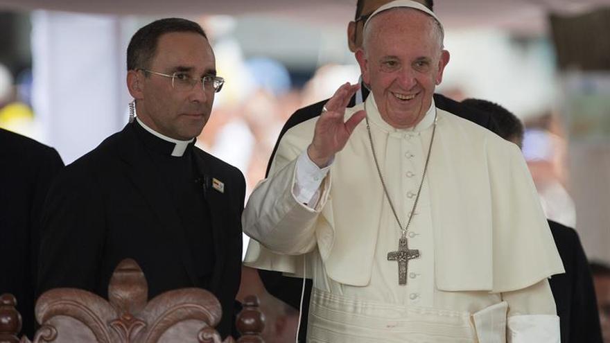 El papa pidió bendiciones para quienes prestan ayuda en el barrio San Francisco