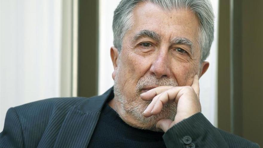 """Jordi Sierra:""""Mientras haya enterrados en cunetas no habrá acabado la guerra"""""""