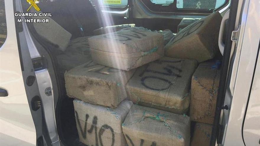 Detienen a un conductor con 1.400 kg de hachís en la autopista Cádiz-Sevilla