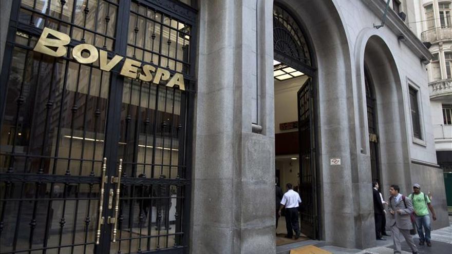 La Bolsa de Sao Paulo abre en bajada a la estela de los mercados mundiales