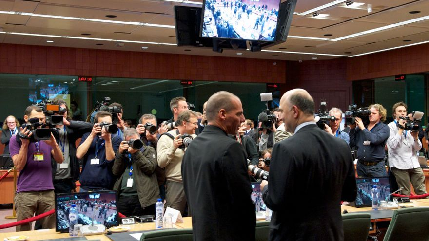 From left to right: Mr Yanis VAROUFAKIS, Greek Minister for Finance; Mr Pierre MOSCOVICI, Member of the European Commission.