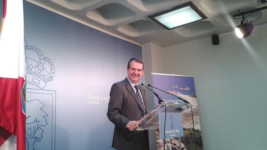 """Caballero pregunta a Pedro Sánchez por qué el PSOE cayó """"a 85 diputados siendo él candidato"""""""