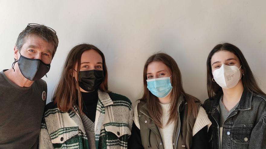 Leire García, Lucía Arana y Miren Ortiz, estudiantes el Colegio Nuestra Señora de la Antigua de Orduña de Bizkaia clasificadas en el cuarto puesto en la final nacional de Young Business Talents.