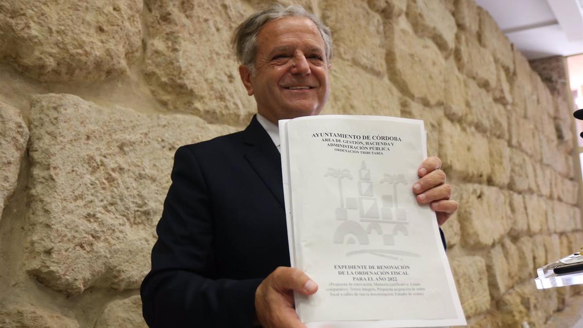 Salvador Fuentes presenta el proyecto de ordenanzas fiscales para el 2022