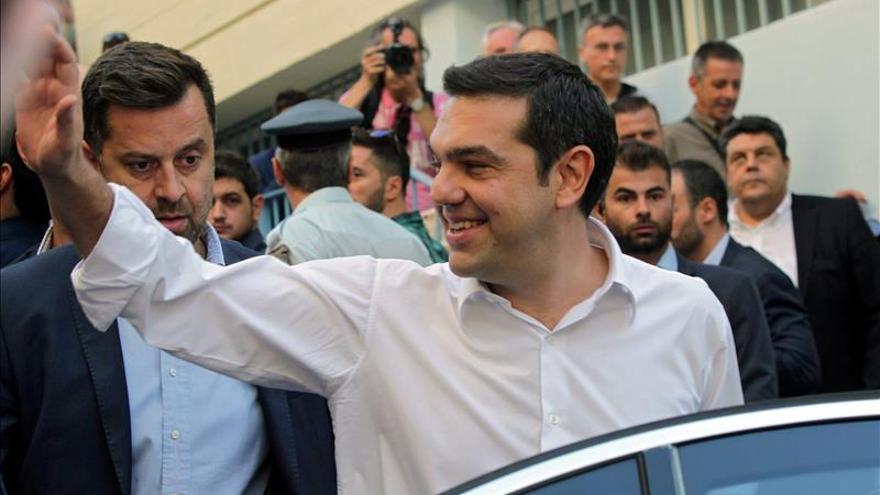 La izquierdista Syriza se perfila ganadora de las elecciones en Grecia, según los sondeos