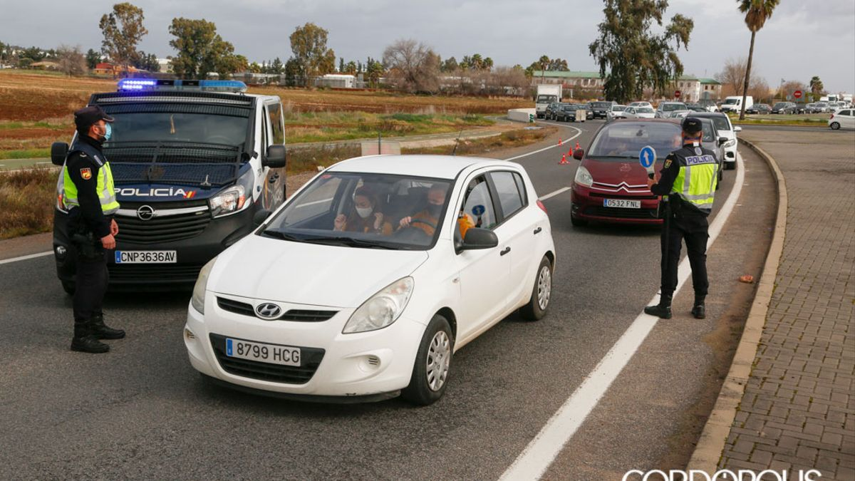 Un control en Córdoba para regular el cierre perimetral.