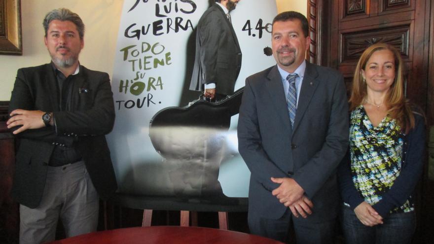 Jairo Núñez, Juan José Cabrera y Marta Poggio, este miércoles. Foto: LUZ RODRÍGUEZ.