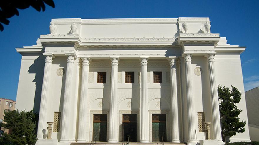 Brewster Kahle compró este edificio neoclásico porque se parecía al logo de Internet Archive