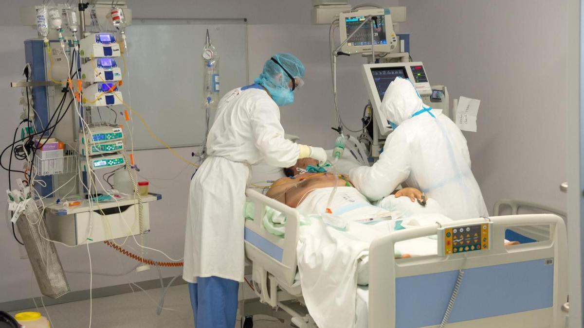 Pacientes de coronavirus en la UCI de Castilla-La Mancha