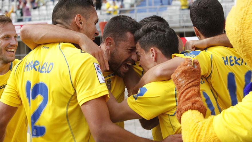 Los jugadores de la UD Las Palmas celebran un tanto en el partido ante el Real Zaragoza FOTO: Carlos Díaz Recio/udlaspalmas.es