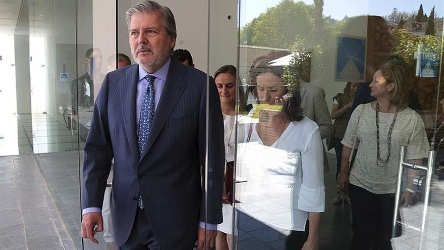 Méndez de Vigo confía en alcanzar gran pacto por la educación tras elecciones