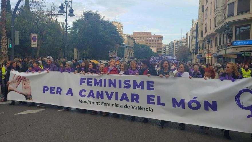 Cabecera de la manifestación de València