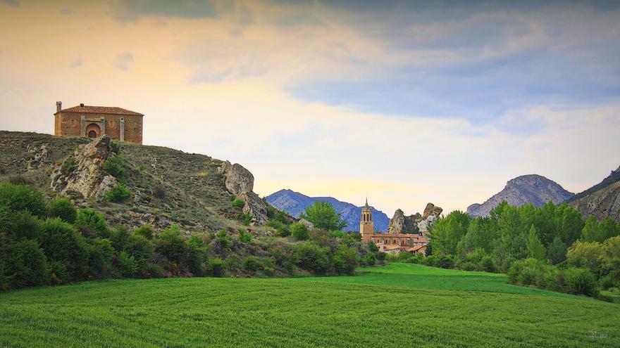 Campos verdes a las afueras de Iglesuela del Cid. Garciamartin