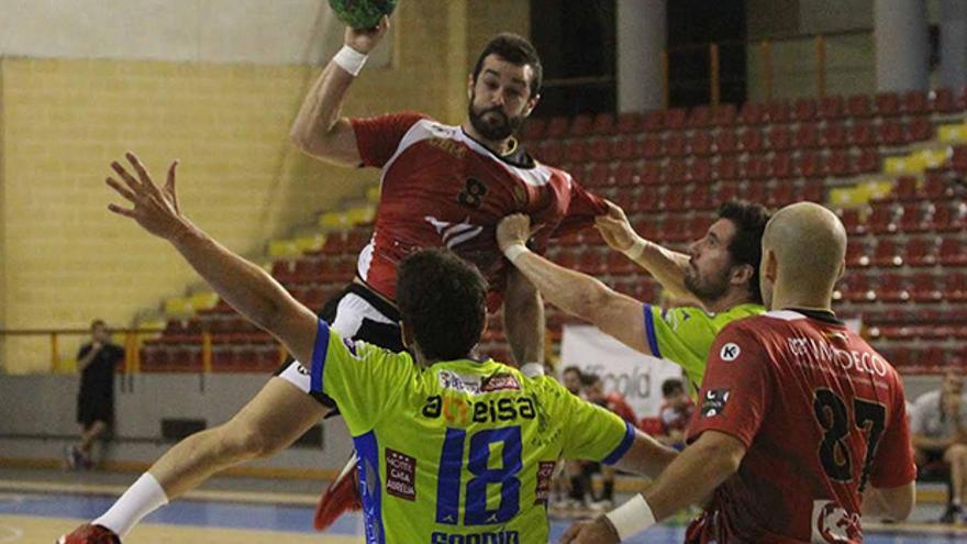 Lance del partido entre CBM y Toledo en Vista Alegre | LARREA