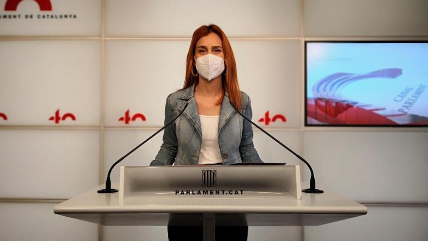 La líder de los comuns en el Parlament, Jéssica Albiach, en rueda de prensa en el Parlament