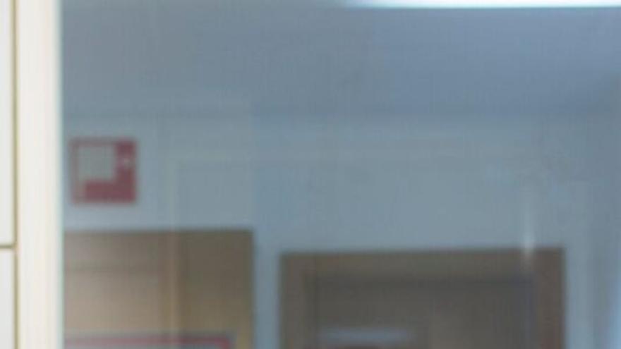 Madi, de 22 años y procedente de Camerún, lleva viviendo en  España cuatro años. Tiene la Educación Secundaria Obligatoria (ESO) y un curso en   informática. Ahora mismo se encuentra en situación de desempleo. /Daniel Rodríguez