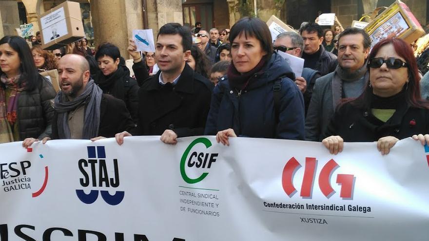 Los líderes de las fuerzas de la oposición gallega, juntos durante la manifestación