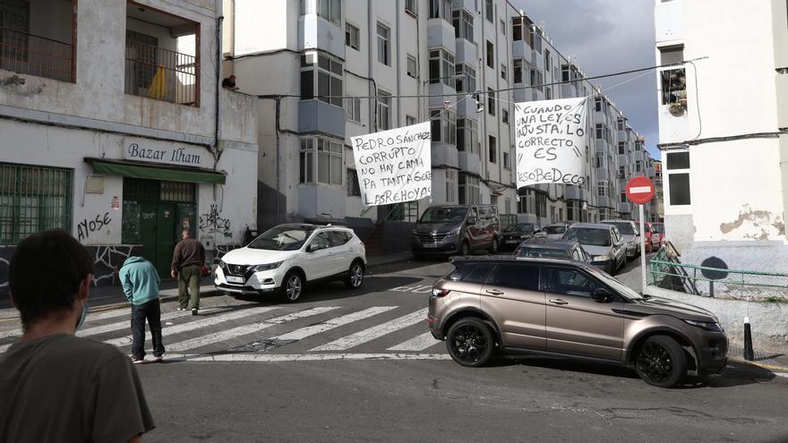 La tensión por la convivencia con migrantes bloqueados se propaga por Gran Canaria: ''El ambiente se está caldeando''