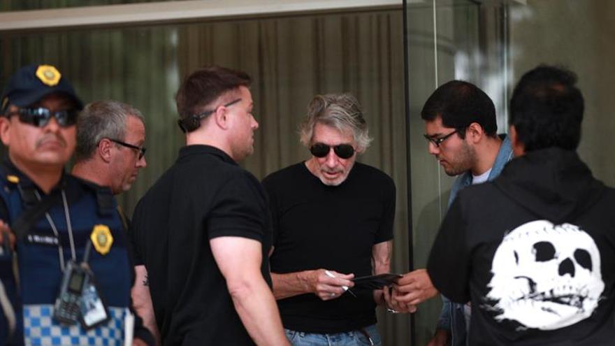 """""""Sus políticas han fallado"""", expresa Roger Waters al presidente Peña Nieto"""