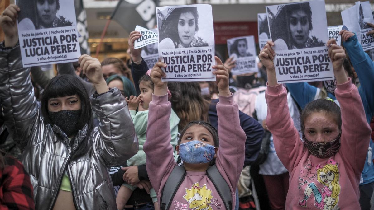 Marcharon en Mar del Plata para reclamar justicia por la adolescente asesinada en 2016