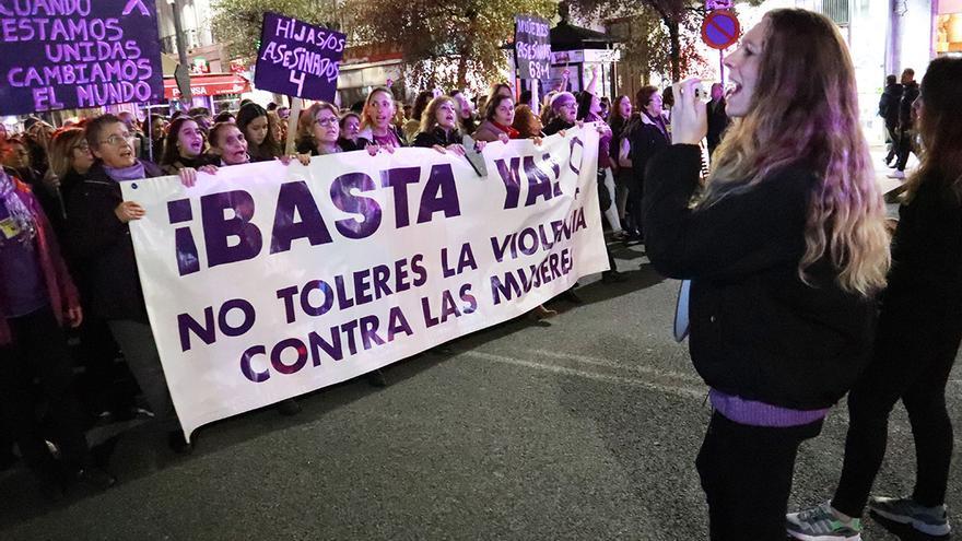 Manifestación en Santander contra la violencia machista el 25N.