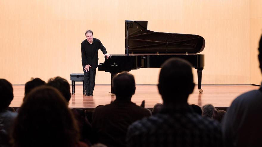 El pianista ruso Alexei Volodin en el Teatro Circo de Marte de Santa Cruz de La Palma.
