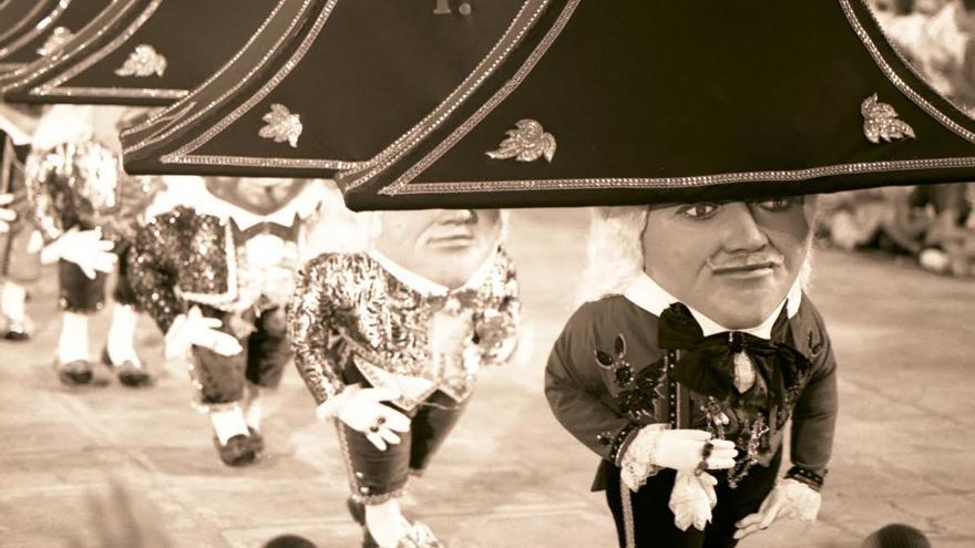 Imagen de archivo de la Danza de Los Enanos.