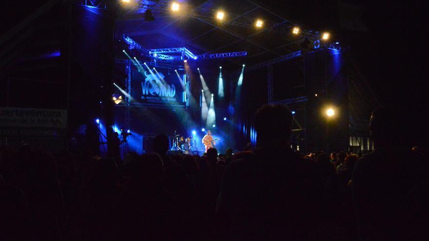 Actuación de Arístides Moreno durante el Womad Fuerteventura 2014 | Iago Otero Paz