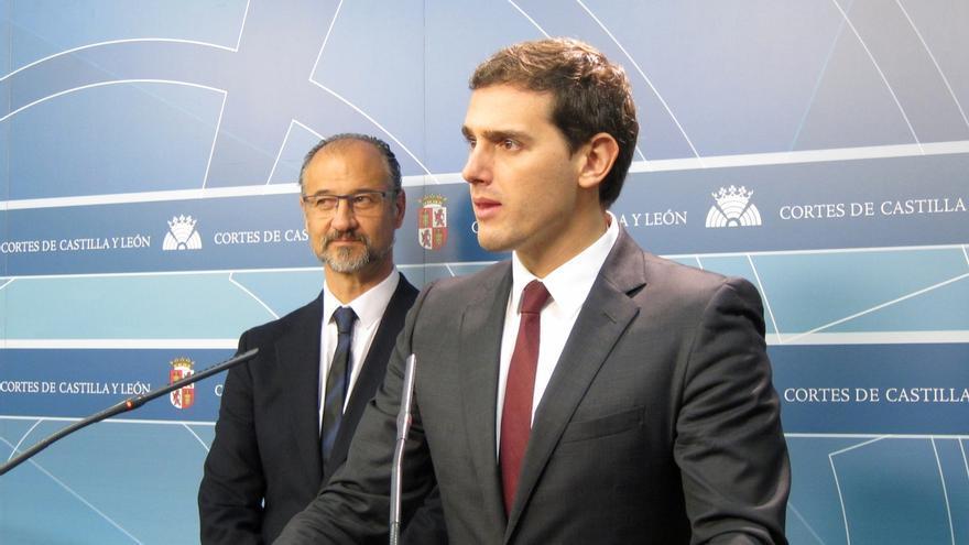 """20D-Rivera cree que sale """"con ventaja"""" frente a PP y PSOE porque ha demostrado que desde el centro puede ser alternativa"""