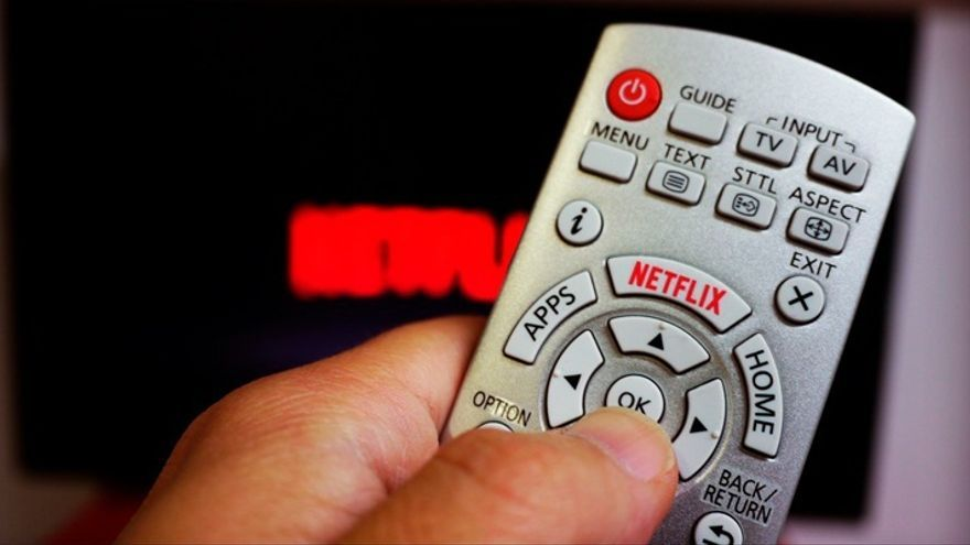 Mando a distancia con el botón de Netflix