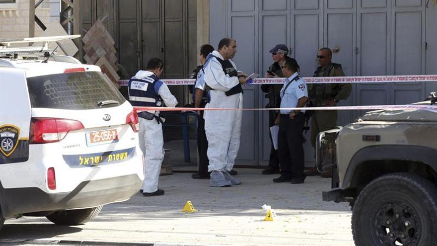 Una mujer palestina muere en enfrentamientos armados en Nablus