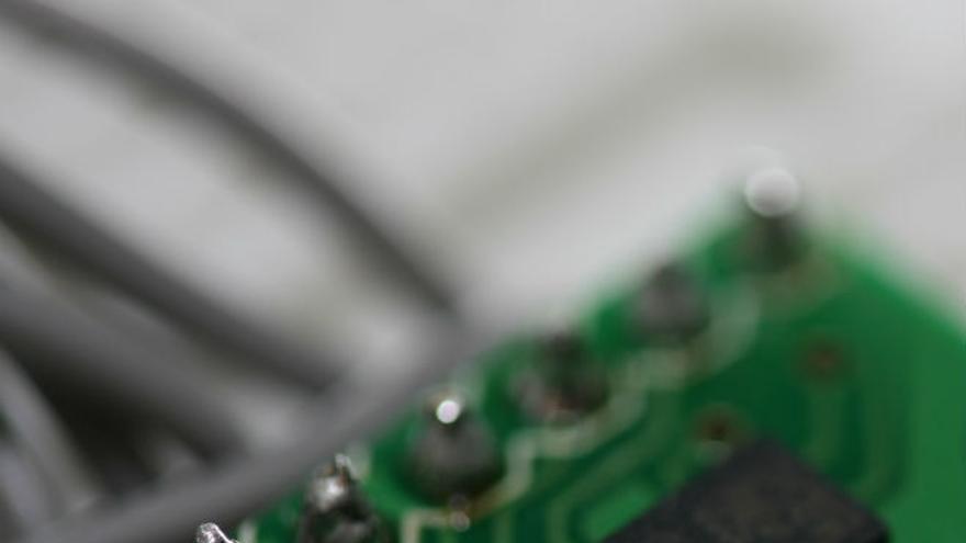 Así funcionan las tripas del acelerómetro de tu teléfono (Foto: Adam Greig, Flickr)