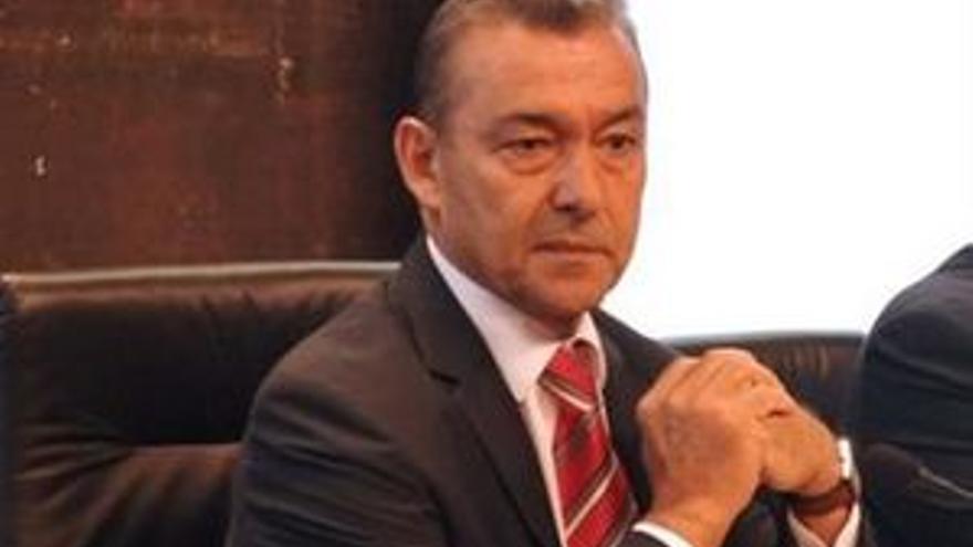 Paulino Rivero.