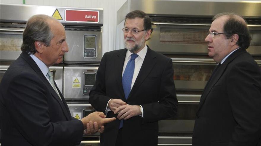 Rajoy no da ninguna pista sobre la candidatura de Herrera en un acto en Segovia