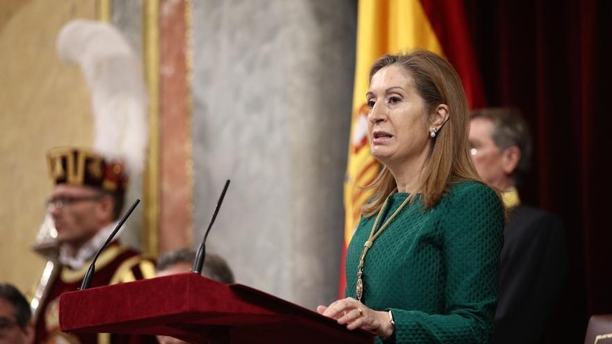 Ana Pastor tiene dos viajes internacionales la próxima semana, lo que impide debatir esos días la moción de censura
