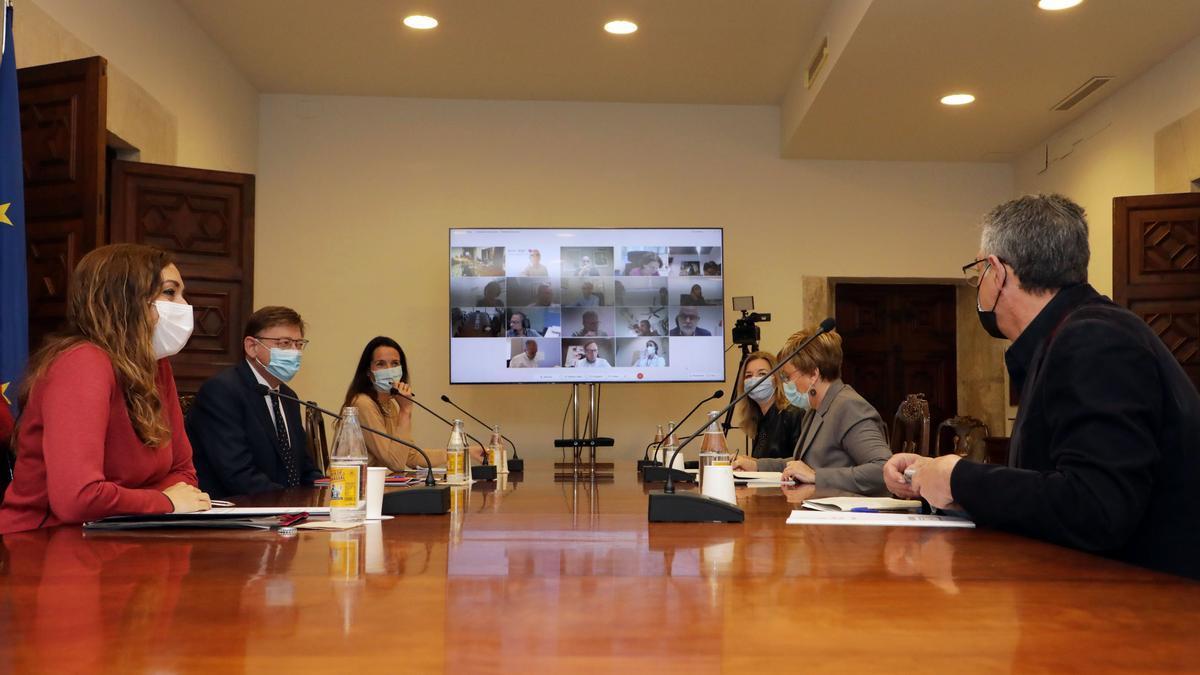 Un momento de la reunión presidida por el president Ximo Puig.