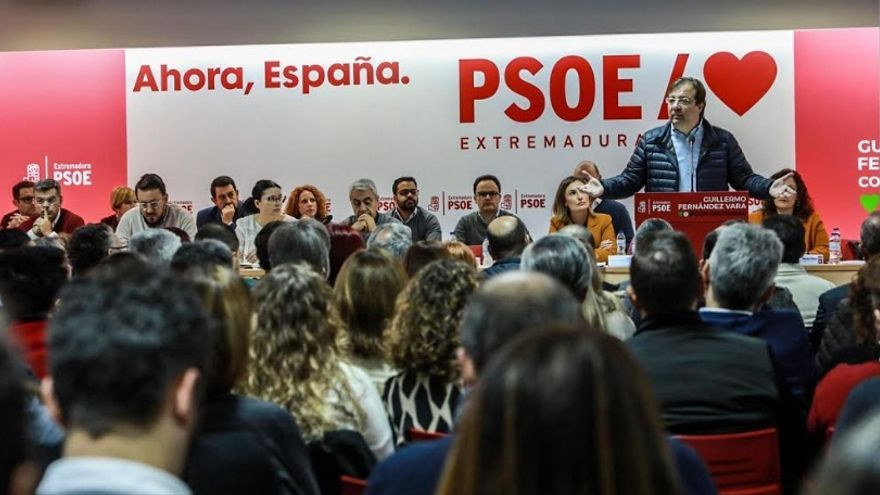 Los socialistas han celebrado este sábado el primer Comité Regional del año. En la imagen, un momento de la intervención del secretario regional del PSOE, Guillermo Fernández Vara