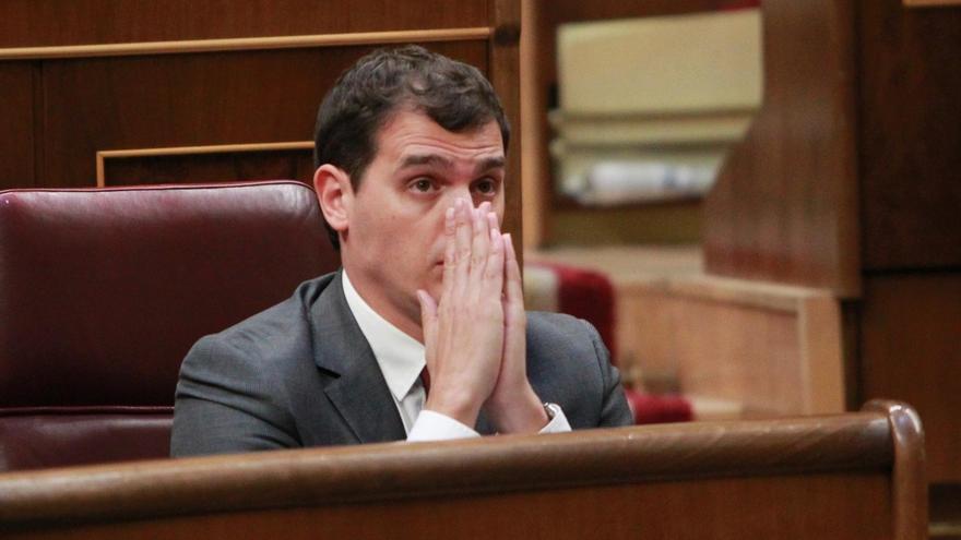 Rivera propone un gobierno de consenso PP-PSOE-Ciudadanos pero sin sus líderes y presidido por un independiente