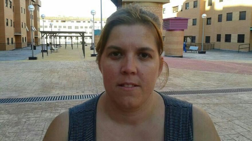 Sandra del Río, cuyo hijo se ha quedado sin plaza en el colegio público María Martín.