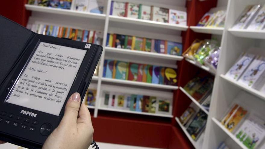 Imagen de un libro electrónico en una librería.