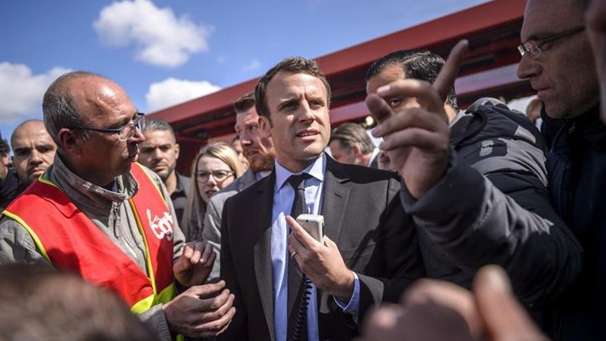 Macron denuncia el ventajismo de Le Pen