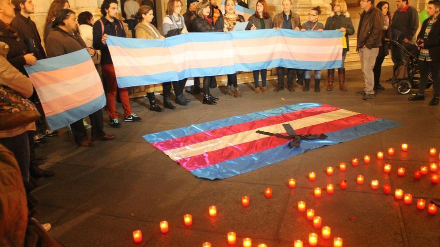 Concentraciones en varias ciudades andaluzas por la muerte de Alan, el menor transexual catalán