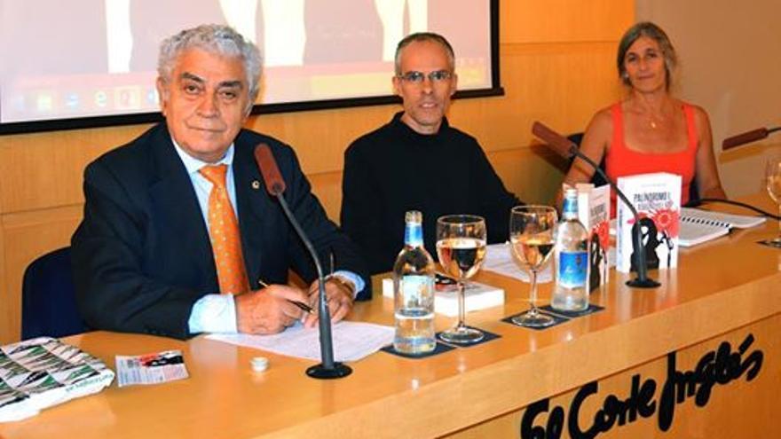 En la imagen, Juan Manuel Pardellas, Carlos Felipe y Carmen Martell.