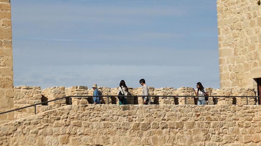 Murallas del Castillo de Santa Catalina.