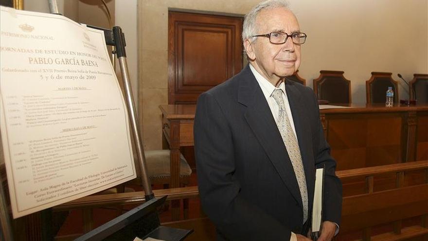 """García Baena dice que  García Montero """"haría una España pródiga, maravillosa y mágica"""""""