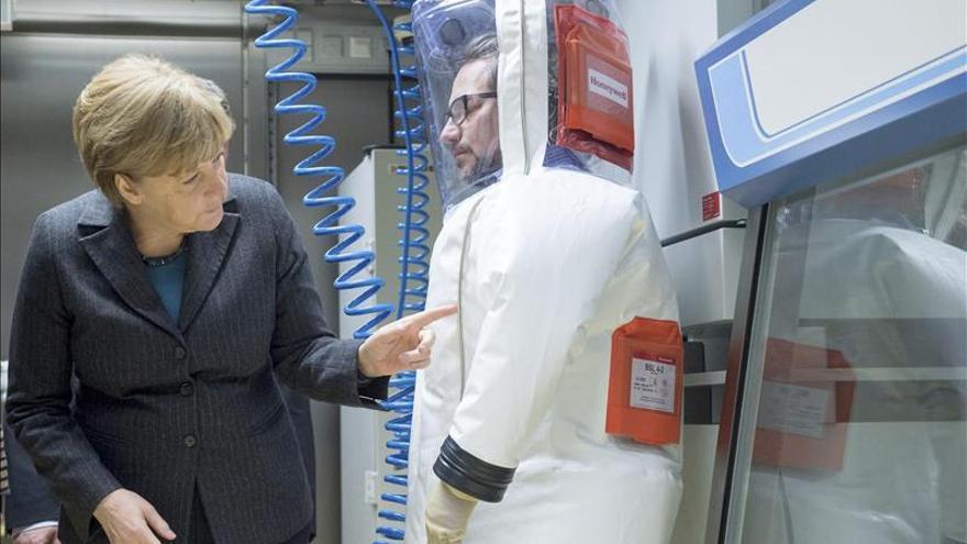 Merkel dice que Alemania está al lado de Jordania contra el terrorismo