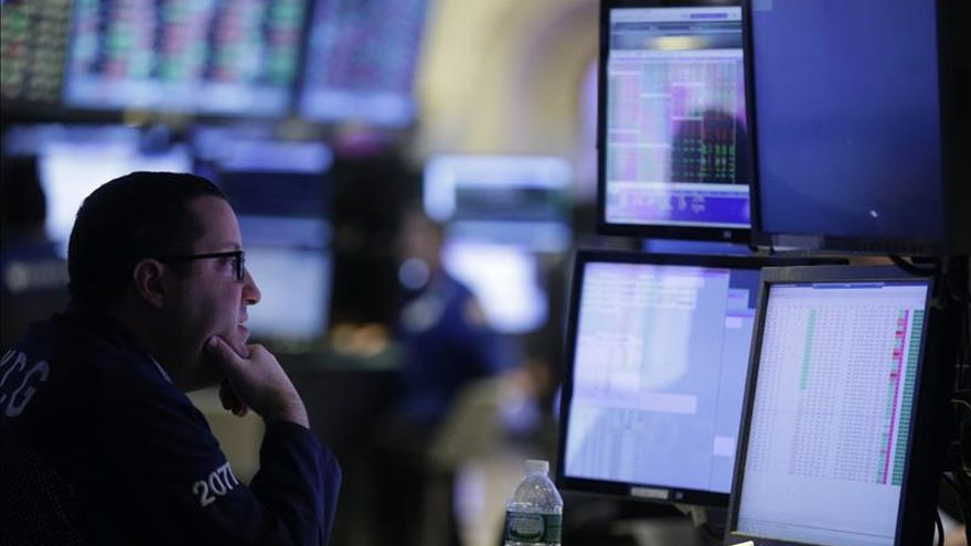 Wall Street abre mixto y el Dow Jones cede un 0,06 %