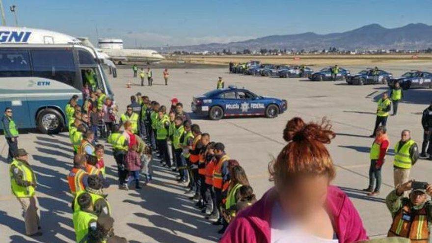 240 Hondurans deported on two planes from Mexico