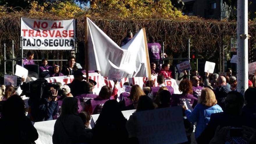 Manifestación en Guadalajara contra el trasvase Tajo-Segura. Foto: Twitter (@Carlos_M_Paulos)